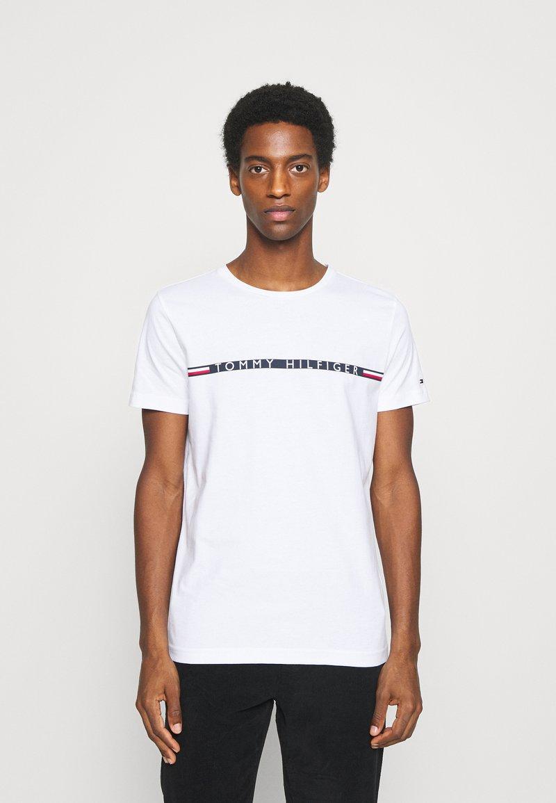 Tommy Hilfiger - MINI STRIPE - T-shirt con stampa - white