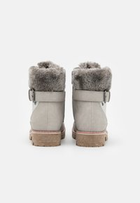 TOM TAILOR - Šněrovací kotníkové boty - ice - 2