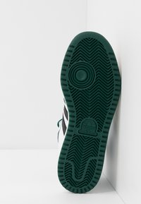 adidas Originals - TOP TEN - Sneakersy wysokie - footwear white/core black/green - 4