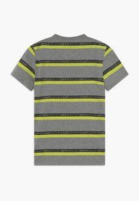 Levi's® - GRAPHIC TEE - T-shirts print - grey heather - 1