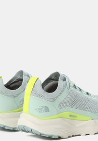 The North Face - ESCAPE - Hiking shoes - green mist wrought iron - 3