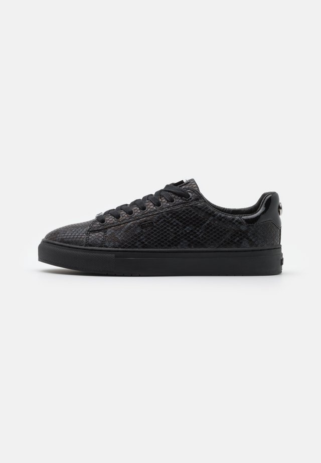 CRISTA - Sneakersy niskie - black