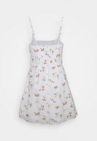 Abercrombie & Fitch - BARE WRAP SHORT DRESS - Kjole - white - 6