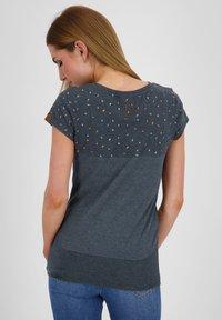 alife & kickin - CORAAK - Print T-shirt - marine - 2