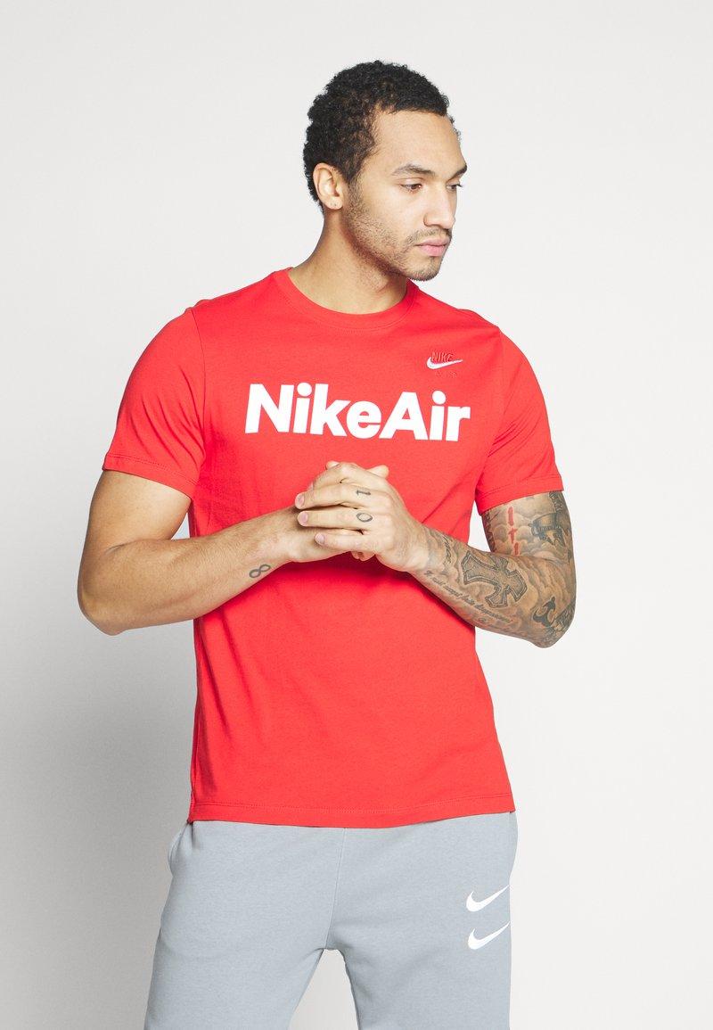Nike Sportswear - AIR TEE - Print T-shirt - university red/white