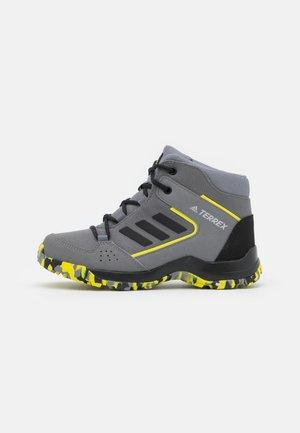 TERREX HYPERHIKER TRAXION HIKING SHOES UNISEX - Hiking shoes - grey four/core black/grey three