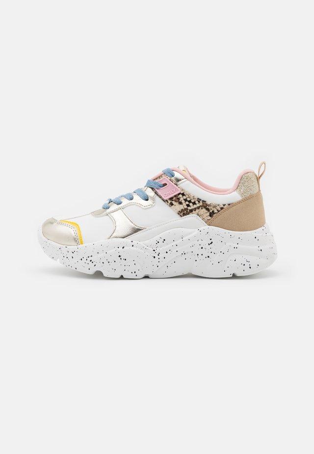 ONLSANNA CHUNKY - Sneakersy niskie - multicolor