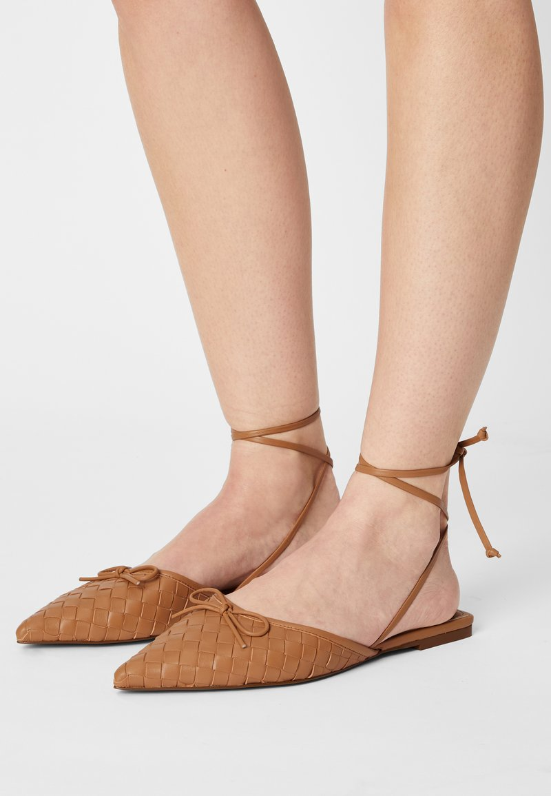 Who What Wear - EVELYN - Pantofle - camel