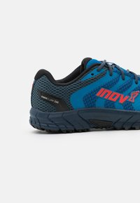 Inov-8 - PARKCLAW 260 - Trail hardloopschoenen - blue/red - 5