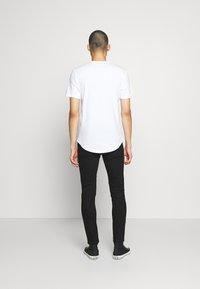 Only & Sons - ONSWARP DAMAGE - Slim fit jeans - black denim - 2