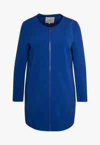 ONLY Carmakoma - CARKATHARINA SPRING COAT - Abrigo corto - mazarine blue - 4