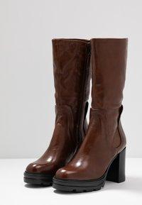 MJUS - Stivali con i tacchi - brandy - 4