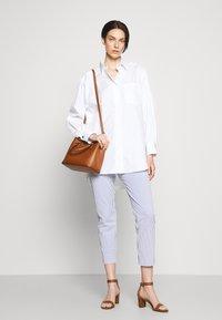 Lauren Ralph Lauren - SUPER SMOOTH MARCY - Handbag - tan/monarch orange - 0