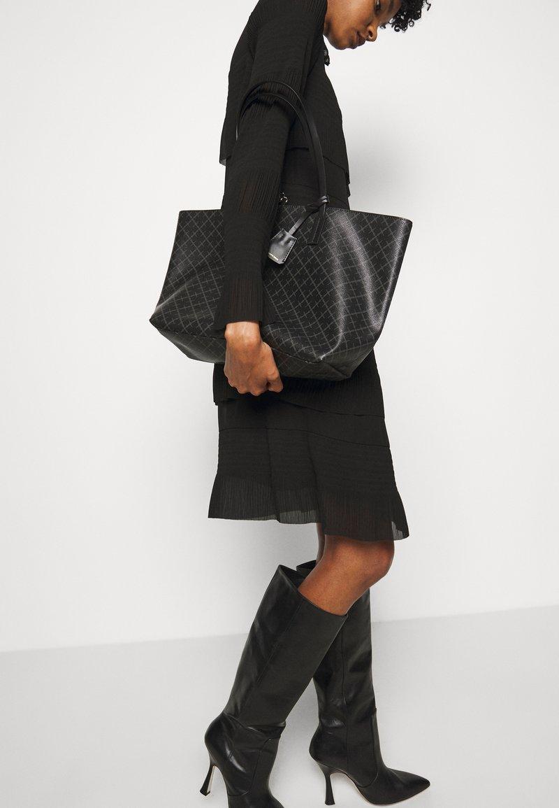 By Malene Birger - ABIGAIL - Handbag - charcoal