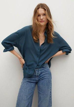 CAMISA OVERSIZE  - Button-down blouse - azul