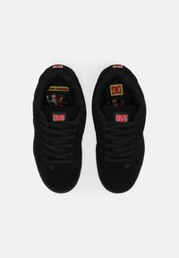 DC Shoes - BOBS NET UNISEX - Trainers - black/red - 3