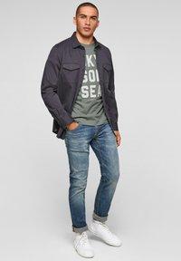 s.Oliver - Print T-shirt - petrol - 1