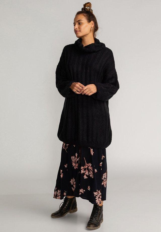 STAY RELAX - Gebreide jurk - black