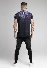 SIKSILK - HAWAII HIGH FADE TEE - Print T-shirt - black - 2