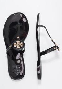 Tory Burch - MINI MILLER FLAT THONG - Pool shoes - perfect black - 3