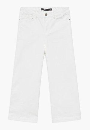 NLFALICIA  7/8 - Bootcut jeans - white denim