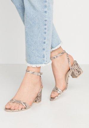 LOW BLOCK STRAP HEEL - Sandals - beige