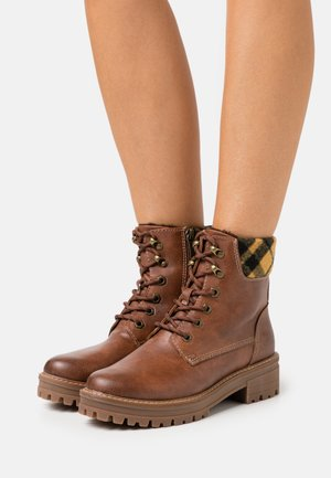 Lace-up ankle boots - brandy/tartan