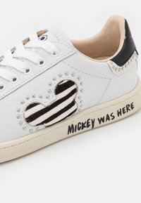 MOA - Master of Arts - GALLERY - Sneakers basse - white - 6