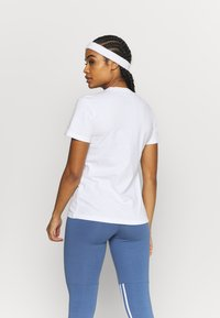 adidas Performance - T-shirt print - white/black - 2