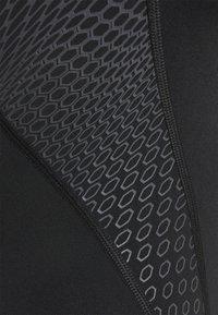 Speedo - PLACEMENT LANEBACK - Swimsuit - black/oxid grey - 2