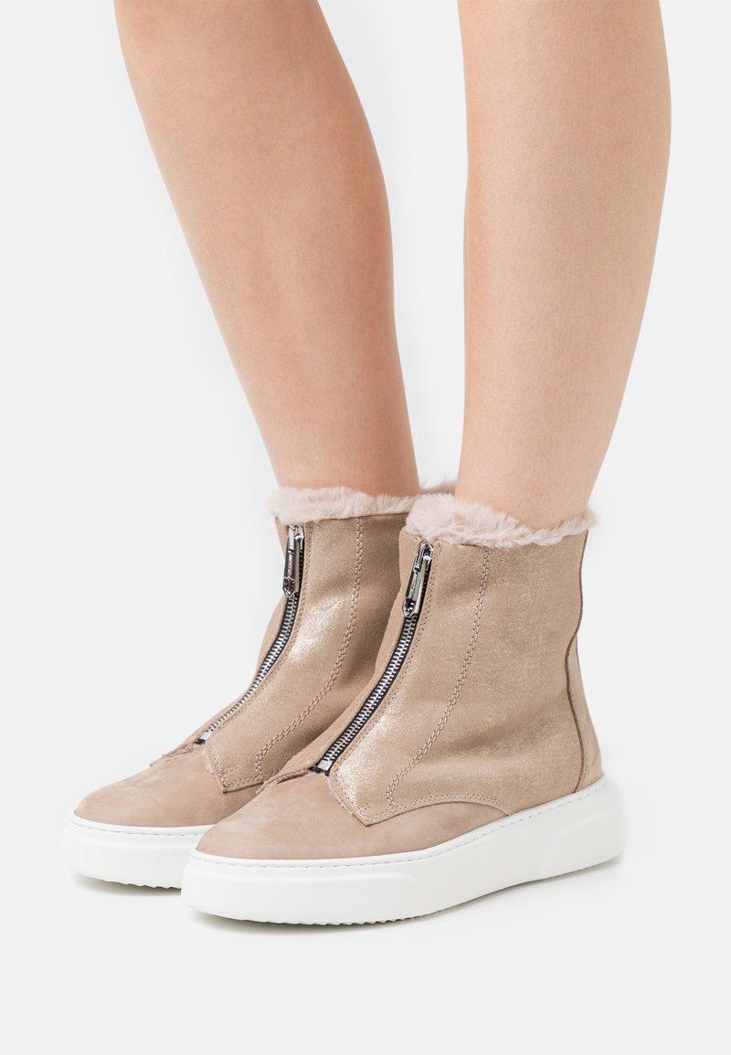 Marc Cain - Platform ankle boots - gold