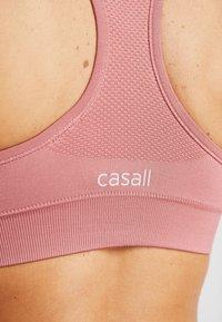 Casall - SMOOTH - Sports bra - salmon - 5