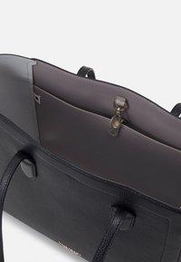 kate spade new york - LARGE TOTE - Handbag - black - 3