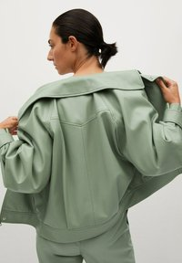 Mango - CREAM - Faux leather jacket - pastellgrün - 2