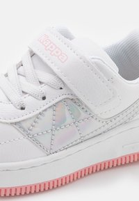 Kappa - CLEAN UNISEX - Sports shoes - white/multicolor - 5