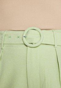 Fashion Union - JESSIE - Shorts - green - 3