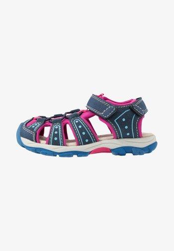 Walking sandals