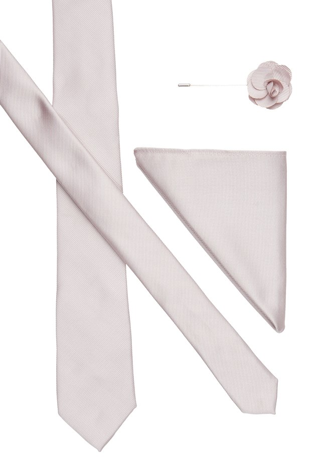 WEDDING PLAIN WITH MATCHING FLOWER PIN SET - Pocket square - pink