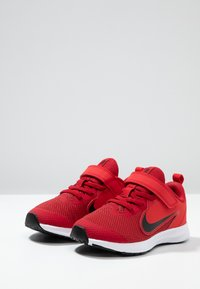 Nike Performance - DOWNSHIFTER 9  - Laufschuh Neutral - gym red/black/university red/white - 3