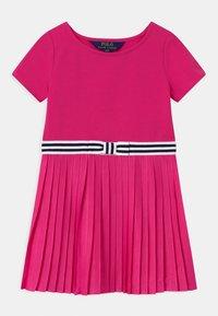 Polo Ralph Lauren - PLEATED DRESSES - Žerzejové šaty - accent pink - 0