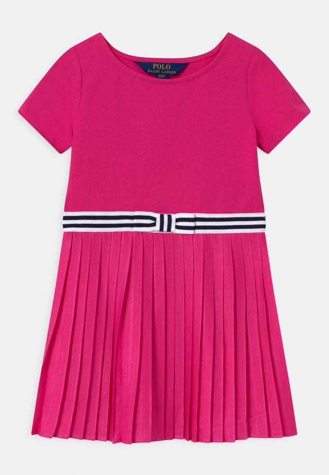 PLEATED DRESSES - Jerseyjurk - accent pink