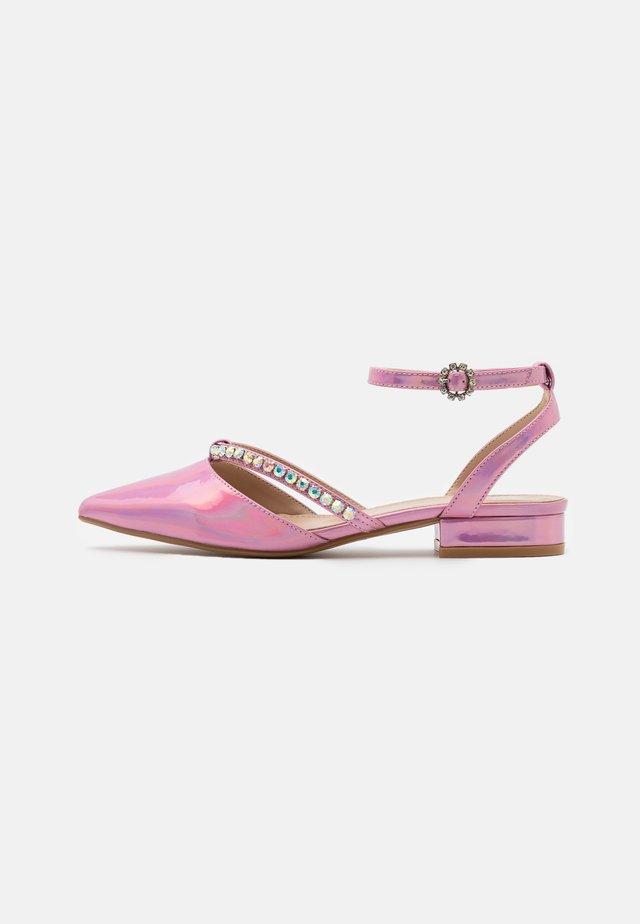 MELANY - Baleríny s páskem - pink