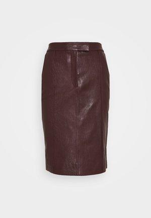 PANNEL BELTED SKIRT - Spódnica ołówkowa  - deep maroon