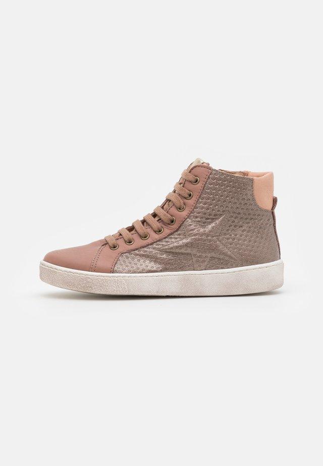 GAIA - Sneakers high - stone