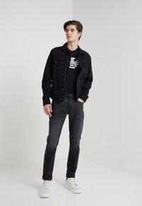 Emporio Armani - Camiseta estampada - black - 1