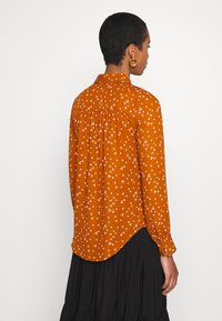 Another-Label - MAPLE ACARDE - Blouse - almond - 2