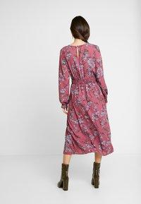 Vero Moda - VMMALLIE SMOCK DRESS - Kjole - hawthorn rose - 3