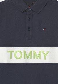Tommy Hilfiger - BLOCKING  - Poloshirts - twilight navy - 2