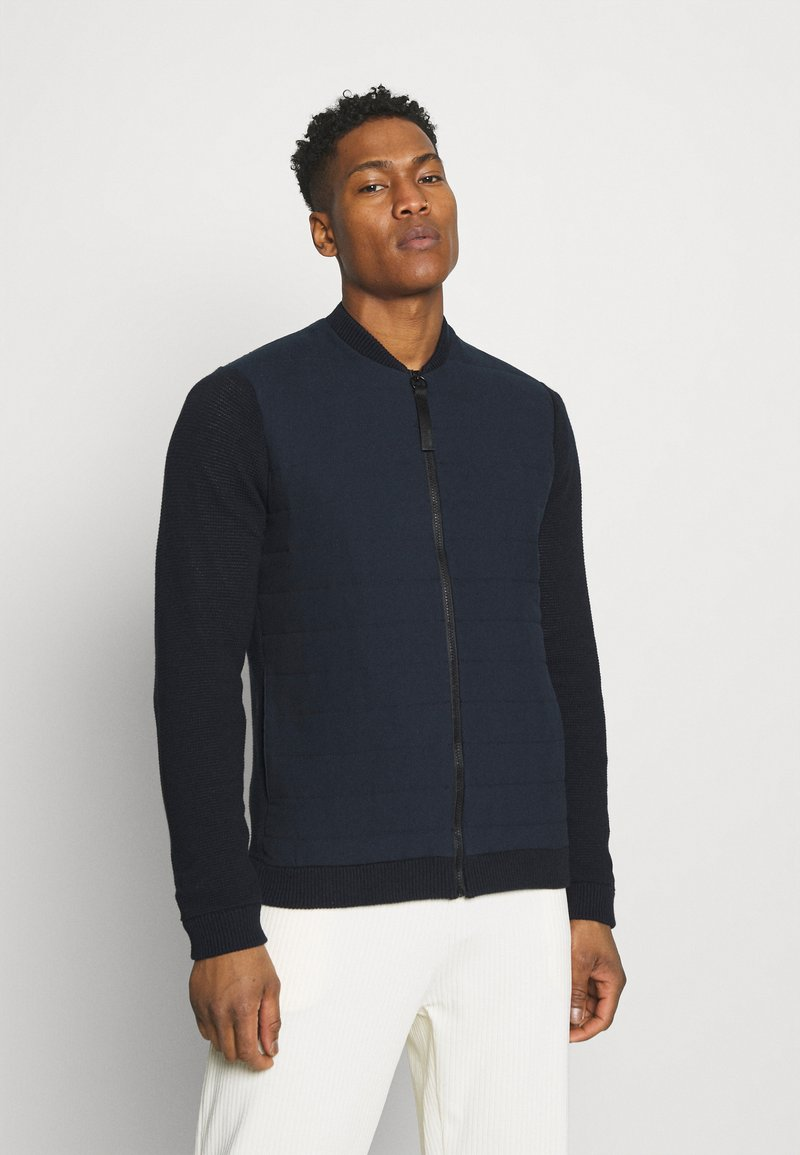 Only & Sons - ONSPRESLEY QUILTED JACKET  - Gilet - dark navy