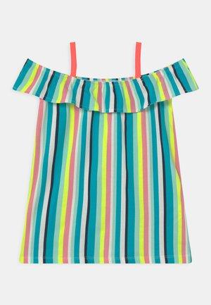 NMFZEMINA - Žerzejové šaty - bright white
